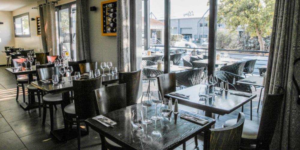 Salle et terrasse - Restaurant l'Opus - Venelles